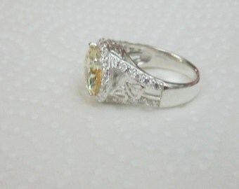 Yellow Canary Leaf Ring