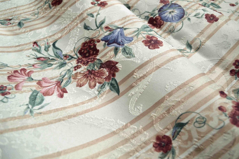 tissu d 39 ameublement vintage fleurs et rayures par frenchdecochic. Black Bedroom Furniture Sets. Home Design Ideas