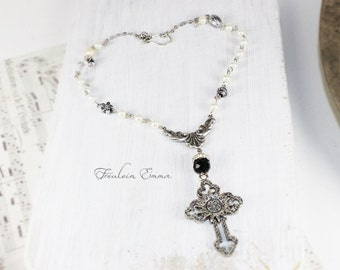 VINTAGE CROSS necklace with pendant vintage cross black white