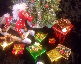 Miniature christmas presents