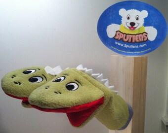 Sputtens (sock puppet mittens)