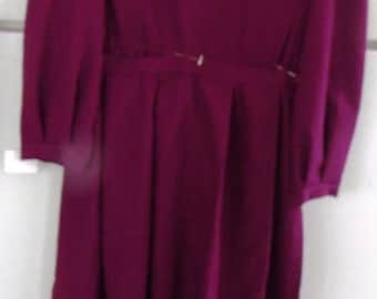 Sale..............AUTHENTIC AMISH, Handmade,Wine  Dress with Apron 34x308x44 NEW