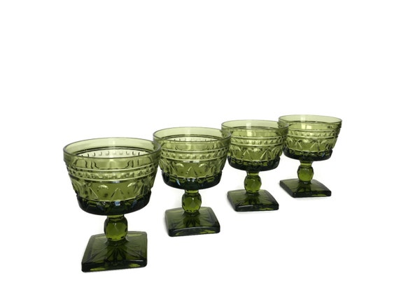Green sorbet glasses set of 4 vintage Colony Parklane wedding decor