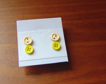 Yellowish-green and wood button earrings  2 pair set