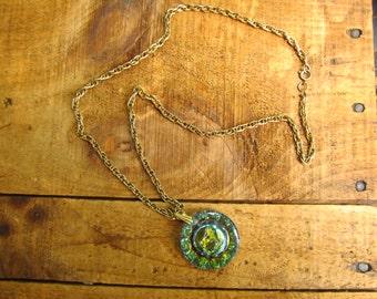 Vintage Zodiac Leo Necklace - Glass Intaglio Lion Necklace - Intaglio Lion Leo Pendant - 1970's Zodiac Necklace