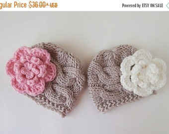 ON SALE in JULY Baby  Twins  Hats - Newborn Twins -Knitted Hats for Twins - Newborn Baby Photo Prop - Newborn Baby Twins