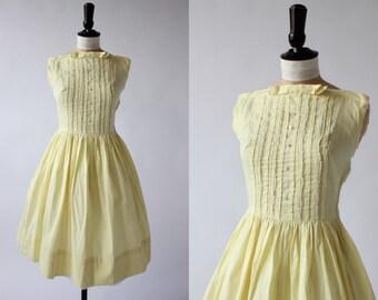 Vintage original 1950s 50s pale pastel lemon cotton dress square neckline UK 6 8 US 2 4 XS S