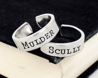 Mulder and Scully - Best Friends - Friendship Ring Set