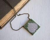 Large Pendant Necklace, Leaf Skeleton, Aspen Leaf Necklace, Leaf Jewelry, Botanical Jewelry, Aspen Jewelry, Green Necklace, Gift for Aunt