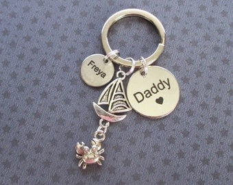 Personalised Father's Day gift - Daddy keyring with names of children - Daddy keychain - Seaside keyring - Daddy gift - Crab keyring - UK