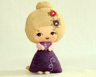 Felt Rapunzel Doll, Tangled Fairy Tale Doll,Wool Felt Art Doll, Handmade Collectible Doll, Plush Toy, Gift for Kids *Made to Order