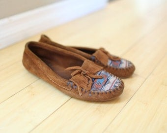 vintage minnitonka brown suede tapestry moccasins loafers womens 6 *