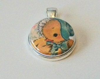 Cute Vintage Style Spring Yellow Chick with Bonnet Easter Round Silver Pendant