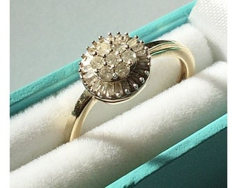 Vintage 9ct Gold Diamond Cluster Ring.