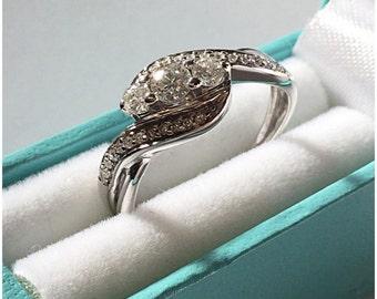 Vintage 9ct White Gold 23 Stone Diamond Ring