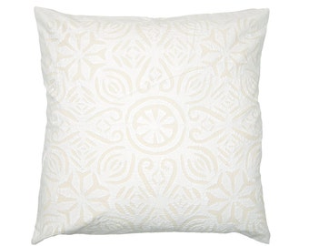 Cushion Cover - White Cotton Backed Applique - Design 7