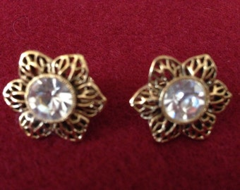 Vintage Flower Clip Earrings