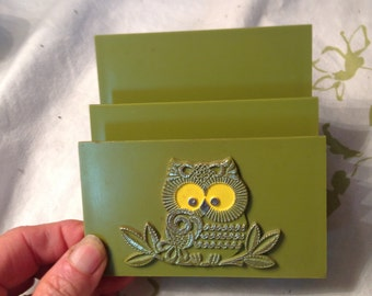 """Vintage owl avocado green plastic napkin or letter holder 4"""" by 4"""" by 1 3/4"""""""
