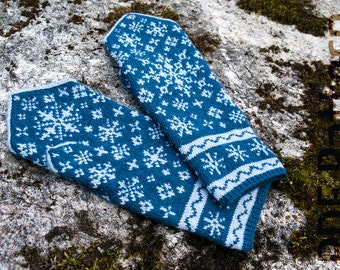 Knitting Pattern For Snowflake Mittens : Snowflake mittens Etsy
