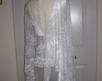 French Chantilly lace. Very soft lace. Off-white