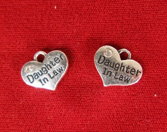"""5pc """"Daughter in law"""" charms in antique silver style (BC1060)"""