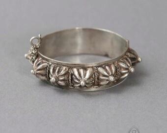 Ancient Berber bracelet - Berber bracelet - Boho bracelet - Gypsy bracelet - Bohemian bracelet - collectible bracelet - collectible jewelry