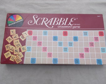 Vintage Scrabble Board Game 1982