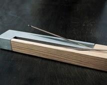 Incense Burner / White Oak wood & concerete