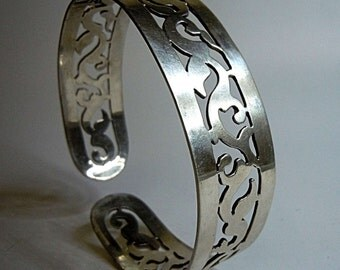 800 silver bangle silversmiths masterpiece Cairo Egypt 1946