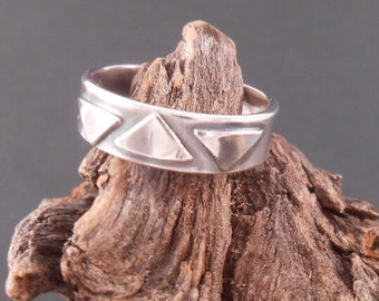 Sterling Silver Ring, Triangle Ring, Wide Band Ring, Silver Ring, Band Ring, Triangle Jewelry, Minimalist Ring,  Geometric Ring