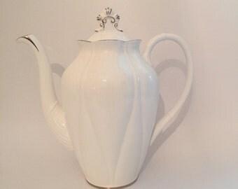 ROYAL ALBERT TEAPOT, Vintage Clare de Lune Design, Large Bone China Tea pot