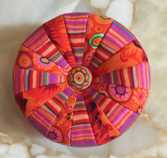 PATTERN for MINI TUFFET Pincushion by Sew Colorful
