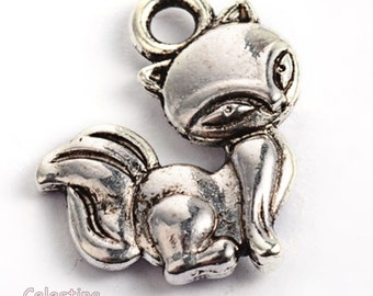 10 x Antique Silver Fox Charms, Woodland Foxes Charms, Cute Fox Charms, Fox Pendants, Small Fox Charms, Little Foxes, Animals 15mm TS562