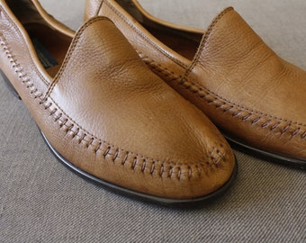 Vintage Loafers * Penny Loafers * Brown * Flat * Business Casual * Leather * Gender Neutral