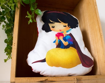 Snow-White cushion
