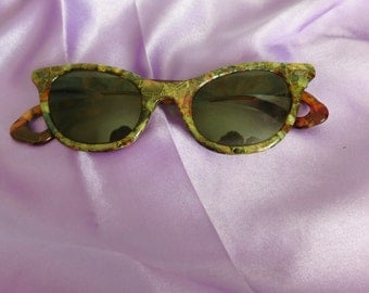 Cats Eye Tortise Shell sunglasses