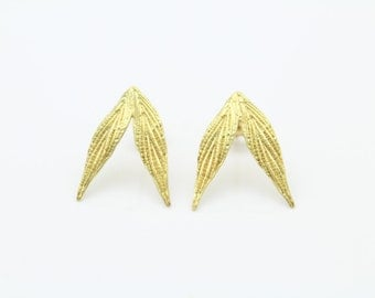 Vintage 14K Yellow Gold Artisan Pixie Wing Earrings Hand Signed BandB. [7225]