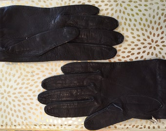 1960s // Size 6 Black Leather Kid Gloves
