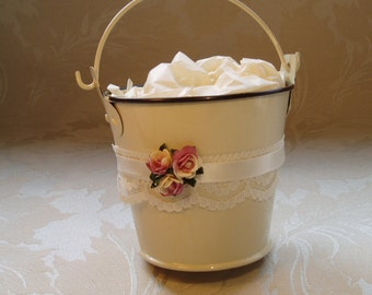 12 x Decorated Wedding Pails. Wedding Favours. Country Style Favours.