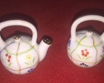 Vintage China floral tea pot salt and pepper shakers Hong Kong