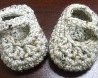 Crocheted Baby Booties: Newborn - 3 months