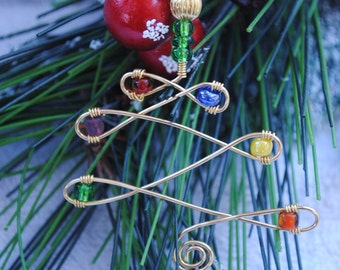 Christmas tree ornament; wire tree ornament; gift charm; present embellishment; wire wrapped Christmas decoration; wire Christmas tree