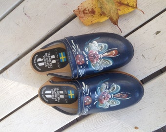 Vintage Scandinavia/Swedish children's clogs from the 90s