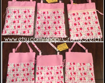 Purse: pink Hello Kitty design