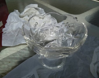 Studio Crystal Paola Collection Fine Crystal Footed Dish scalloped edge collectible candy dish bowl decorative collectible