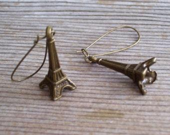 Eiffel Earrings, Antiqued Brass Eiffel Tower Earrings, Historic France, French Landmark, Bronze 3D Monument, Pierced Dangle Earrings