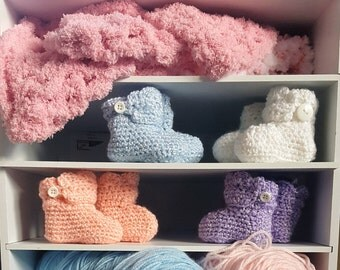 Crochet Button Baby Booties