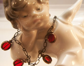 Red Glass Gem Bracelet with Antiqued Gold Chain, Holiday, Charm, Christmas, Vintage, Rockwell, Classic, Antique