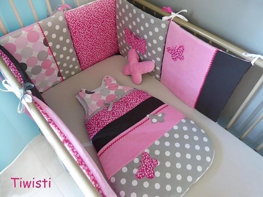 tour de lit coussin et gigoteuse 0 6 mois en velours rose. Black Bedroom Furniture Sets. Home Design Ideas