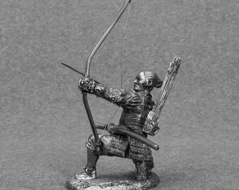 Japanese Action Figurine Samurai with Bow Medieval 1/32 Scale Unpainted Soldier Sculpture Collection 54mm Tin Metal Miniature